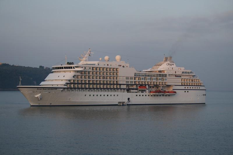 2009 - SEVEN SEAS NAVIGATOR offshore Sorrento.
