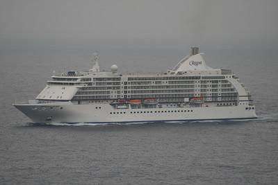 2008 - SEVEN SEAS VOYAGER sailing offshore Capri.