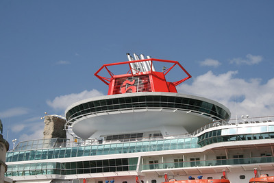 2010 - SOVEREIGN in Napoli : the funnel over the viking crown.