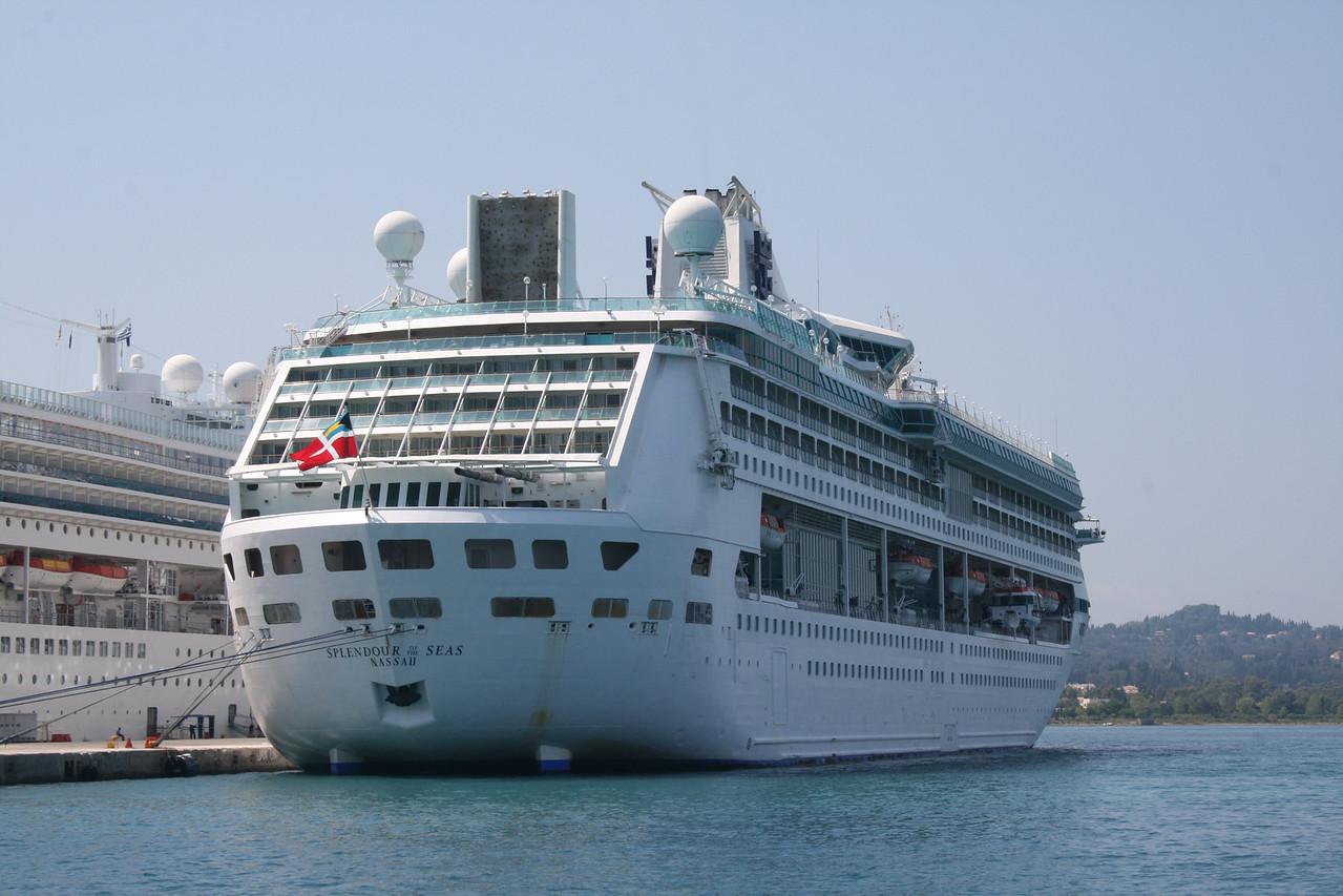 2009 - SPLENDOUR OF THE SEAS in Corfu.