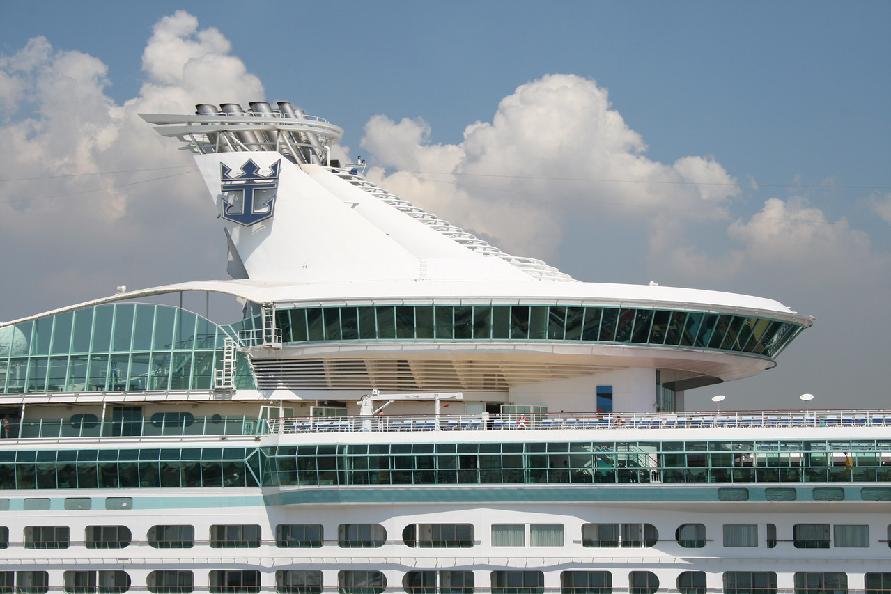 2009 - M/S VOYAGER OF THE SEAS in Napoli.