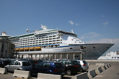 2010 - M/S VOYAGER OF THE SEAS in Napoli.