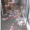 Grocery items were thrown to the floor during the 2006 Kiholo Bay earthquake.