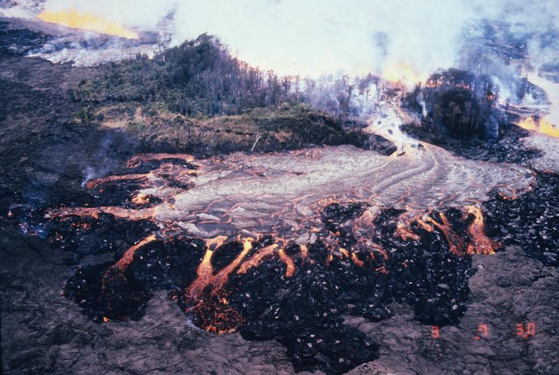 [R1-3-83] [J. G. 132A] [Decker ID pl.3] [Eruptions Puu Oo I]