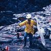 [P87] [R3-28-83] [JG1334 KER] [Photo by J. D. Griggs US Geological Survey]
