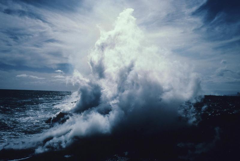 [RNOV 29 1986 JG8224 Flow entering ocean at Kalapana]