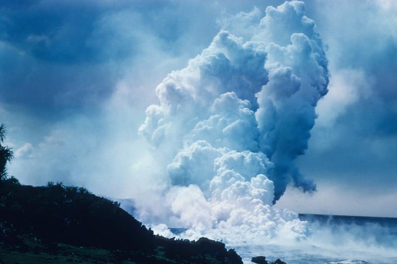 [P81] [Puna 1955 or 1960?] [HI Eruptions Into Sea]