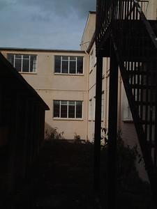 Hostel, 2001