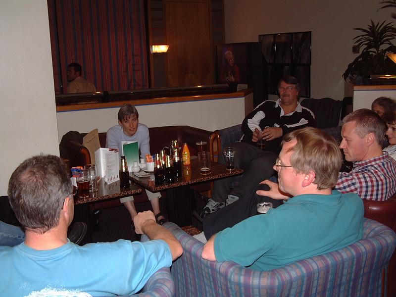 Holiday Inn, 2001