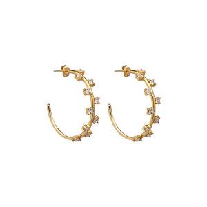 Cubic hoop ear gold