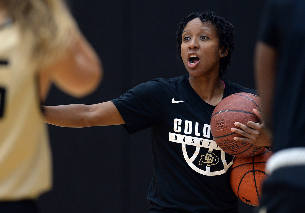 . BOULDER, CO: October 5, 2018: CU assistant, Shandrika Lee, during practice on October 5, 2018. (Photo by Cliff Grassmick/Staff Photographer)