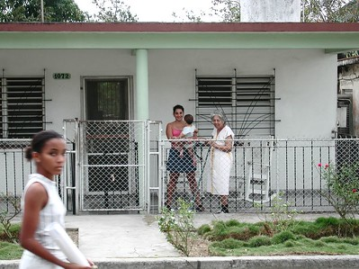 People of Cuba - Gente de Cuba  -A typical day -