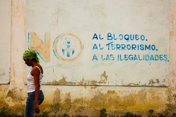 No to the Blockade<br /> No to Terrorrism<br /> No to the Illegalities<br /> <br /> Santa Clara