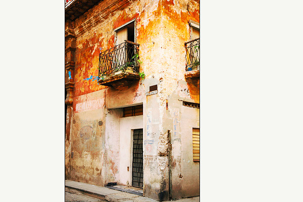 Dilapidated Beauty<br /> Havana