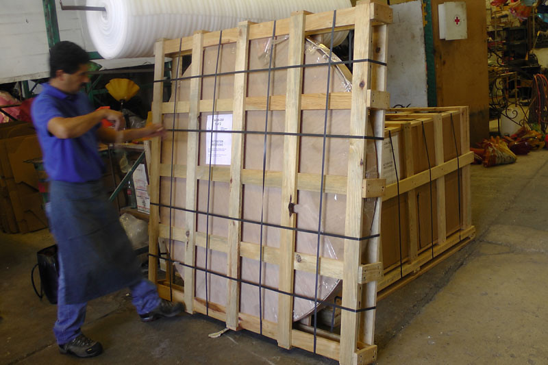 You can see just how securely the table top is packed. Crated  it weighs in at 293 lbs.
