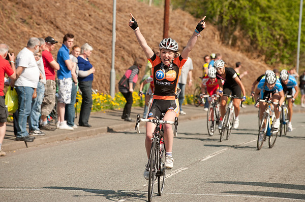 CHESHIRE CLASSIC WOMENS ROAD RACE APRIL 2011