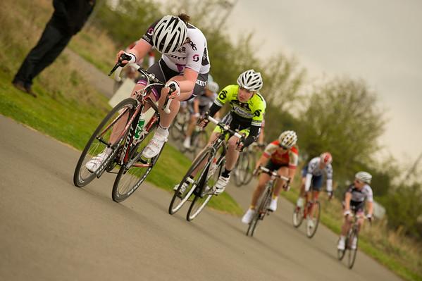 STOURPORT CIRCUIT RACES MARCH 31ST 2012 WOMEN 4TH CAT
