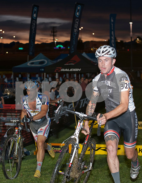 CrossVegas_CX-6300