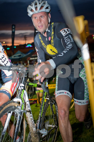 CrossVegas_CX-6270