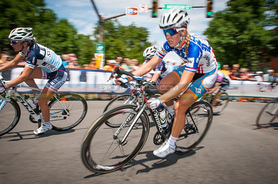 Allison Powers (NOW) taking a corner on to College Avenue in Old Town Fort Collins. © Dejan Smaic | Sportifimages.com