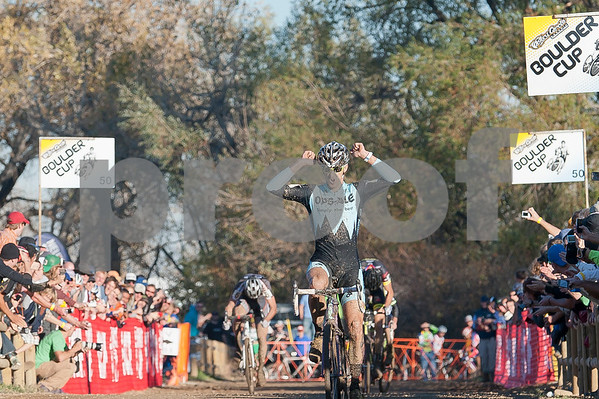BOULDER_CUP_VICTORY CIRCLE_CX-1992