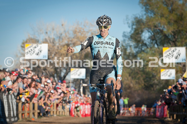 BOULDER_CUP_VICTORY CIRCLE_CX-2000