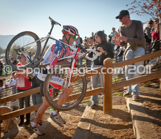 BOULDER_CUP_VICTORY CIRCLE_CX-4876