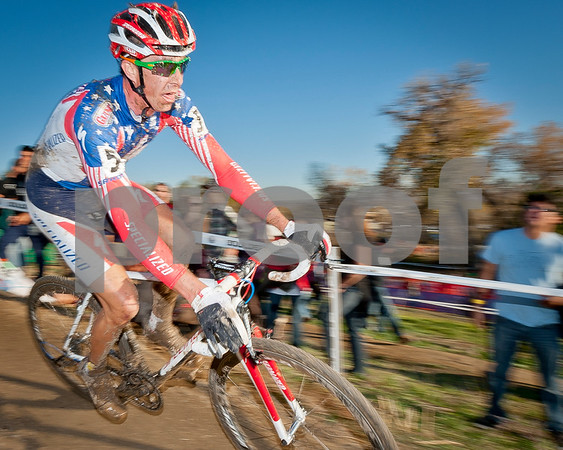 BOULDER_CUP_VICTORY CIRCLE_CX-4978