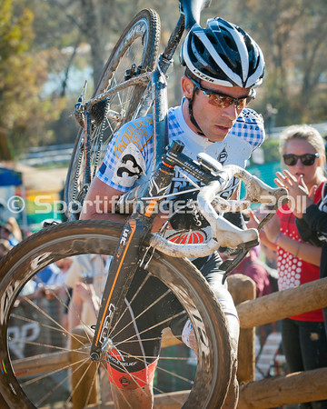 BOULDER_CUP_VICTORY CIRCLE_CX-1882
