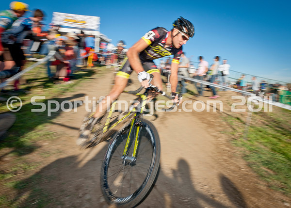BOULDER_CUP_VICTORY CIRCLE_CX-4962
