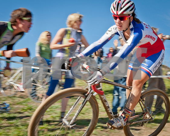 BOULDER_CUP_VICTORY CIRCLE_CX-4742