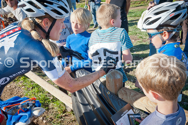 BOULDER_CUP_VICTORY CIRCLE_CX-4816