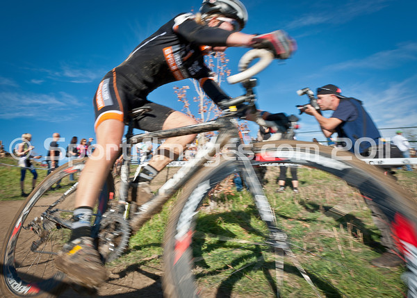 BOULDER_CUP_VICTORY CIRCLE_CX-4793