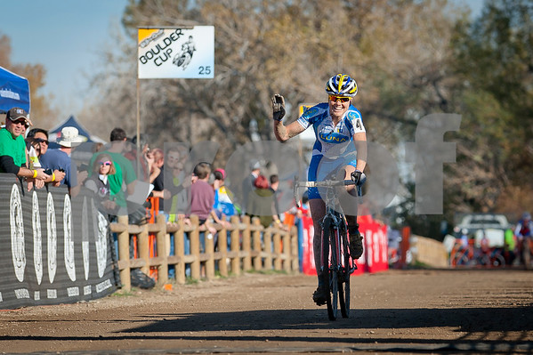 BOULDER_CUP_VICTORY CIRCLE_CX-1822