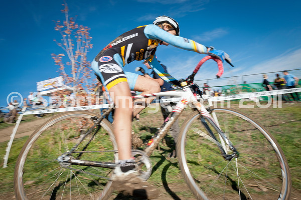 BOULDER_CUP_VICTORY CIRCLE_CX-4795