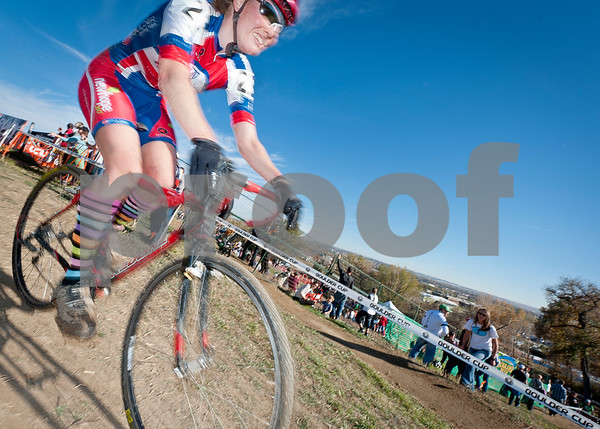 BOULDER_CUP_VICTORY CIRCLE_CX-4738