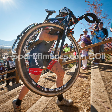 BOULDER_CUP_VICTORY CIRCLE_CX-4676