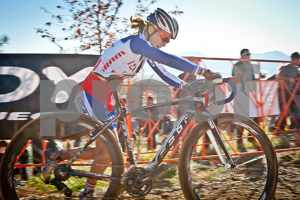 BOULDER_CUP_VICTORY CIRCLE_CX-4699