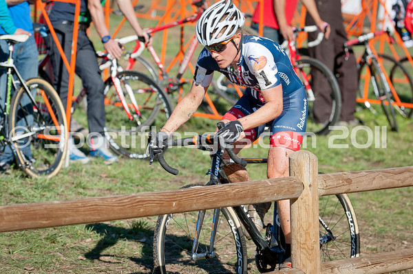BOULDER_CUP_VICTORY CIRCLE_CX-1709