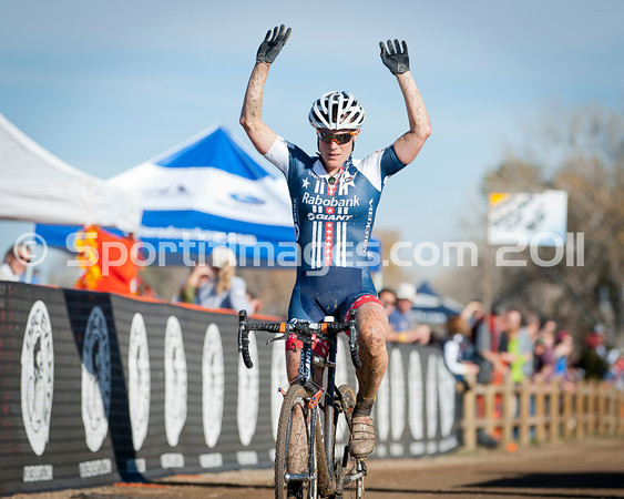 BOULDER_CUP_VICTORY CIRCLE_CX-1815