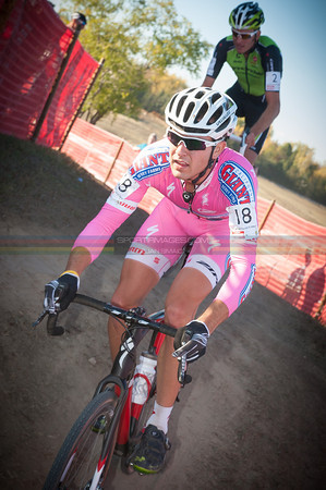 Yannick Eckmann flies the pink skinsuit for Breast Cancer Awareness month, ahead of Ryan Trebon.