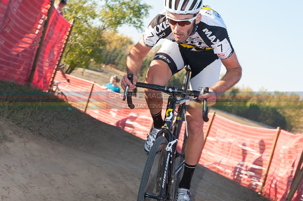 Kabush carves through an off-camber corner in just his third major 'cross event of the season.