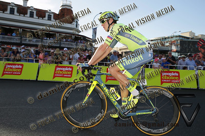2016 Santos Tour Dow Under . Peoples Choice Classic. East Parklands in Adelaide. Australia.Sunday 17/01/2016.Caleb EWAN riding for Orica Green Edge Team (Aus) won the close sprint to claim the 51 circuit race. # 74 Michael GOGL (Aut) team Tinkoff (Rus).© ATP / Damir IVKA