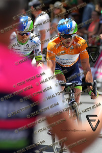 2016 Santos Tour Down Under . MAC Stage 6 Adelaide. Australia.Sunday 14/01/2016. Simon GERRANS (Aus) riding for Orica Green Edge Team (Aus) is the 2016 Overall Winner. Here with his team mate and stage winner Caleb Ewan (Aus) as they pass the feed zone. © ATP / Damir IVKA