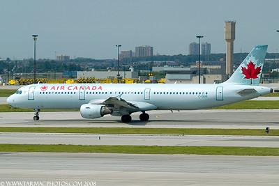 AirCanadaAirbusA321211CGIUE_5