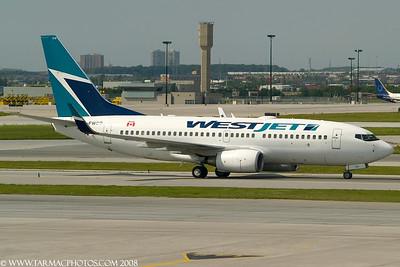 WestJetAirlinesBoeing7377CTCFWSO_4