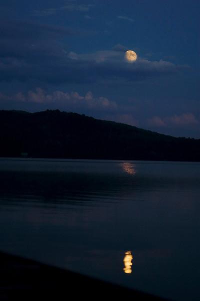 Claire de la lune<br /> Lac à la Perchaude, July 16, 2008