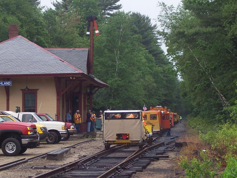 <strong>At Ashland:</strong> Motorcars stop at the Ashland Station during the Motorcar weekend. Thanks to George Kenson for use of these pictures!