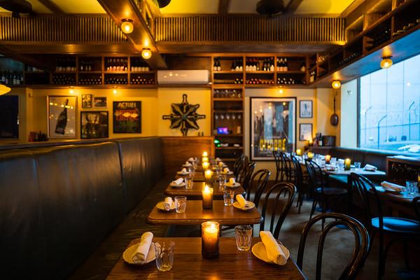 Alberto's Lounge