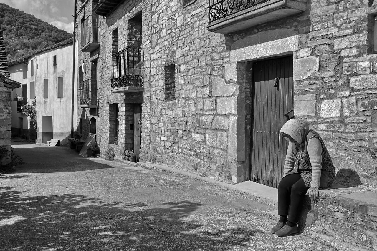 Casi sola - Charo - España